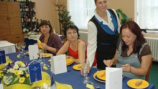 maturity na Střední hotelové škole v Teplicích.