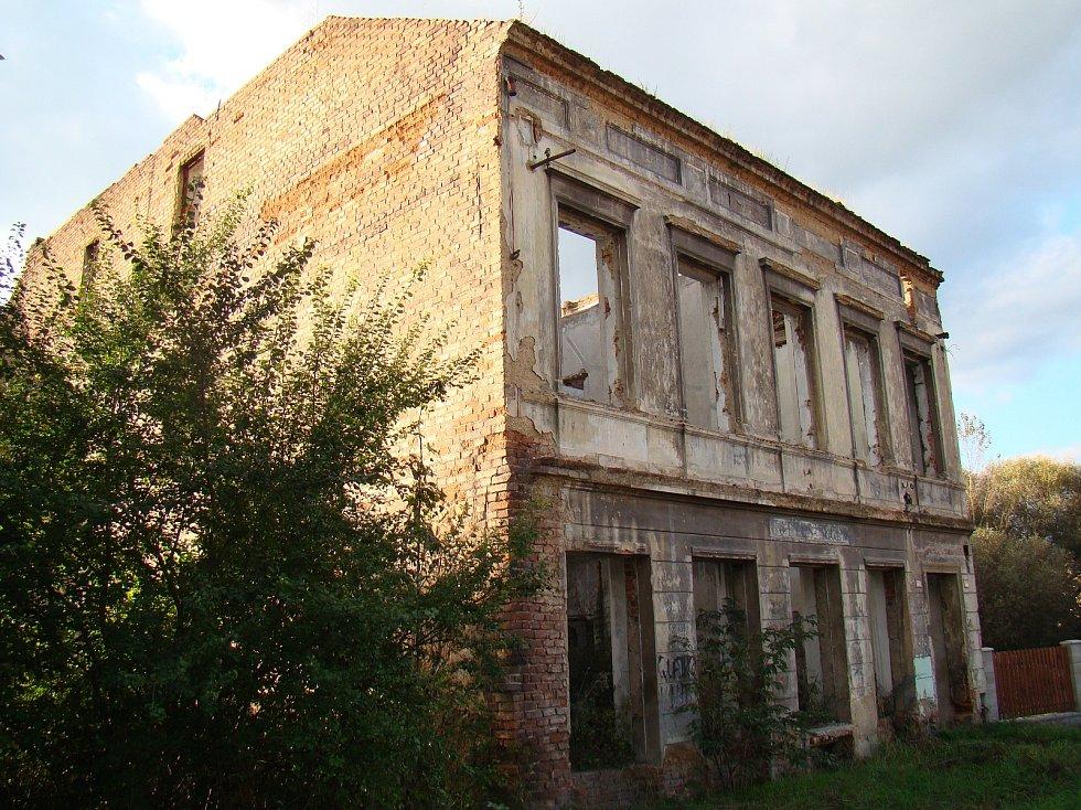 Teplické ruiny - dům v bývalé Hornické ulici.