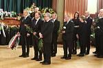 Poslední sbohem pro Jaroslava Kuberu proběhlo v Krušnohorském divadle. Rozloučit se s ním dorazily i politické špičky včetně prezidenta a premiéra České republiky.