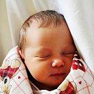 Veronika Lhotáková se narodila Petře Březinové z Teplic 13. července  v 19.06 hod. v teplické porodnici. Měřila 51 cm a vážila 3,4 kg.