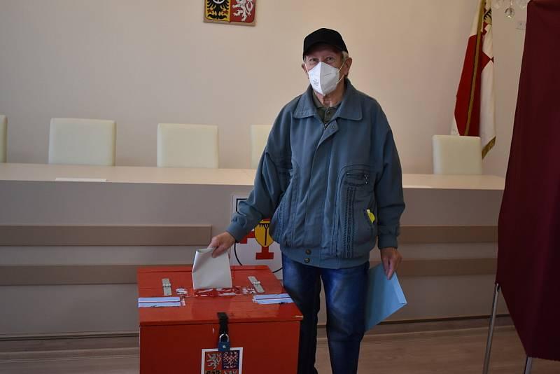 Volby v Bystřanech. Pátek 8. října 2021