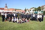 Hasiči v Kostomlatech mají nový prapor sboru.