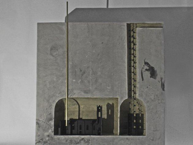 Student liberecké architektury Adam Kössler vyhrál legendární soutěž Ještěd F kleci se zasypaným kostelem v Radovesicích.