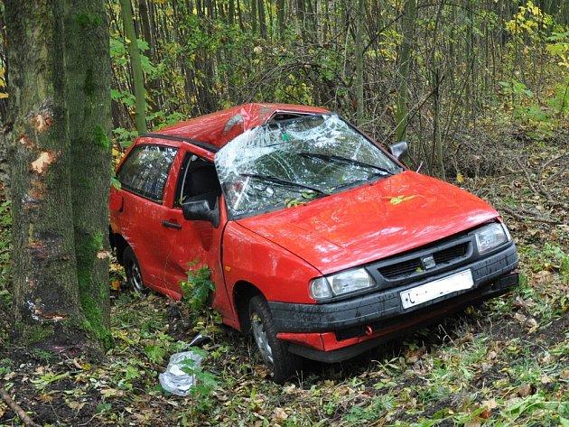 Mezi obcemi Krupka a Přítkov došlo k havárii osobního vozidla.