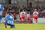 SK Dubí (v bílém) v městském derby slavilo výhru