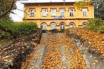 Schodiště k oseckému nádraží prochází rekonstrukcí