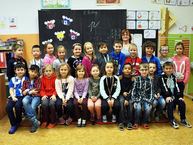 Na fotografii jsou žáci ze ZŠ Aléská Bílina, 1.Atřída paní učitelky Šárky Šilingové.