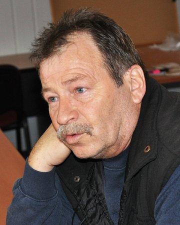 Stanislav Kubernát je jeřábník na stavbě obchodního centra Galerie Teplice.
