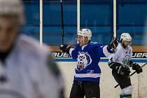 První zápas osmifinále play off 2. ligy ledního hokeje skupiny Střed + Západ se odehrál 3. března na zimním stadionu v Jablonci nad Nisou. Utkaly se týmy HC Vlci Jablonec nad Nisou a HC Draci Bílina.