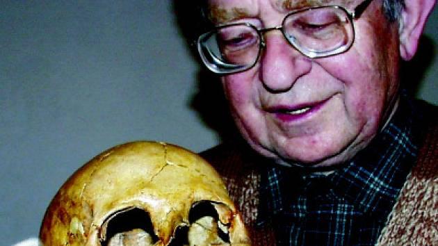 Docent Ivo Flasar zemřel