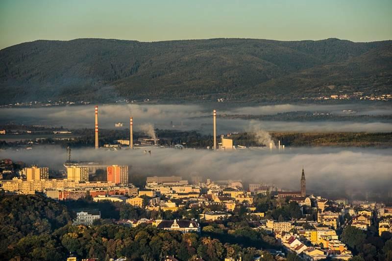 Ranní podzimní výhledy z Doubravky v Teplicích.
