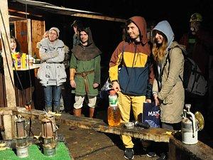 Na sobotní hornický den do štoly Lehnschafter v Mikulově se i přes nepřízeň počasí dostavilo poměrně dost návštěvníků