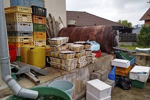 Inspekci z potravinářské inspekce vadily i znečištěné prostory obchodu.