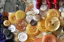 Knoflíkovou galerii z vlastní tvorby mají v Domově důchodců v Bystřanech