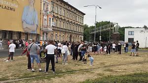 Romové vytvořili pietní místo v Teplicích