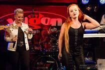 Teplickým klubem Hvjezda budou ve středu 27. října od 20 hodin hity švédské kapely Roxette a to v podání revivalu The Rockset.