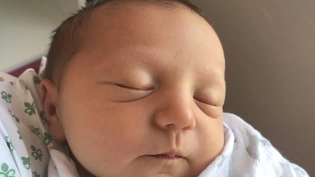 RozálieSklenářová se narodila mamince Kristýně Anně Hýbnerové z obce Světice v ústecké porodnici 9. září v 8.23 hodin. Vážila 3360 gramů a měřila 49 cm. Tatínkem je Milan Sklenář. Foto: archiv
