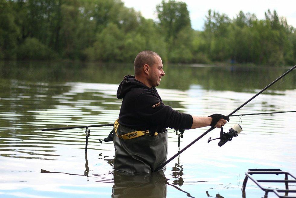 Rybářské závody na Kateřině.