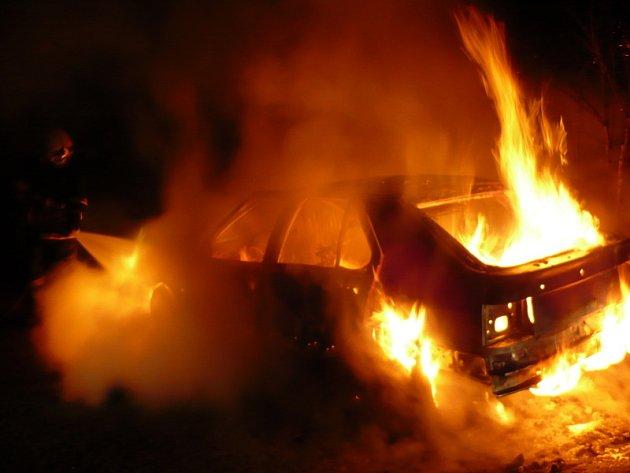 Požár auta v Proseticích