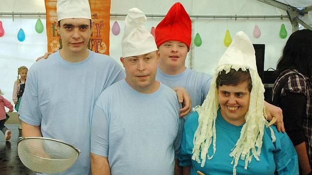 V ústavu sociální péče v Háji u Duchcova se konal VII. ročník oblíbeného festivalu Hájský kohout