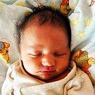 VÁCLAV DROBNÝ se narodil Tereze Masopustové z Teplic 7. října ve 13.37 hod. v teplické porodnici. Měřil 49 cm a vážil 3,35 kg.