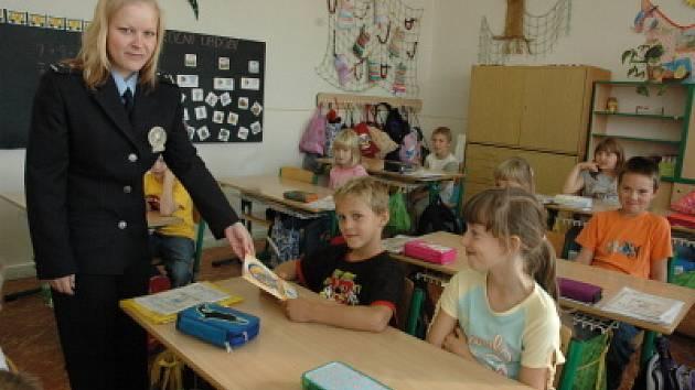 Školáci dostali zápisník Ajaxe
