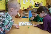 Děti z MŠ Jaselská se zúčastnily celostátní akce Pěšky do školy.