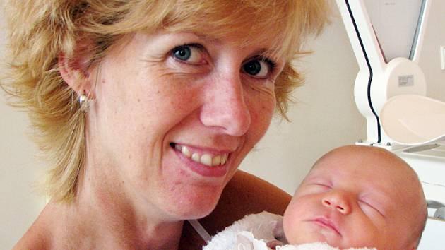 Mamince Lucii Nedvědové z Mikulova se 14. června v 10.36 hod. v teplické porodnici narodil syn Jáchym Nedvěd. Měřil 49 cm a vážil 3,0 kg.
