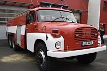 TATRA 148 je jako nová. Dubští hasiči ji opravovali dva roky.