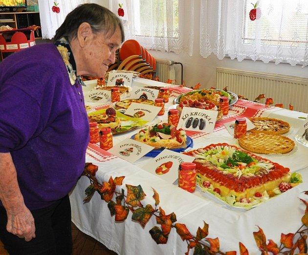 13. ročník Dubské koláče tentokrát vyhrál tým domova důchodců Na Výšine.