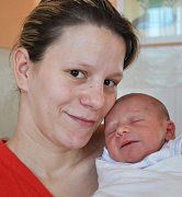 Mamince Veronice Vernerové z Teplic se 13. října  ve 22.14 hod. v teplické porodnici narodil syn Miroslav Hakavec. Měřil 48 cm a vážil 2,85 kg.