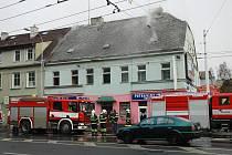 V bývalém kině Lípa v Trnavanech hoří