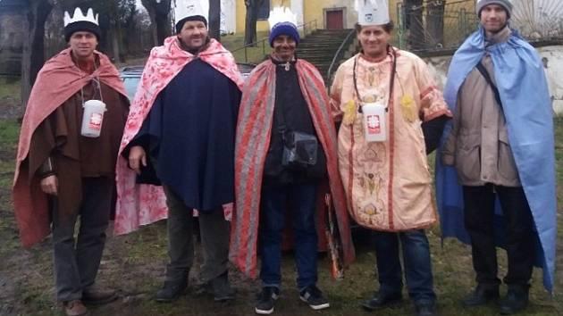 Duchcovem prošli tři králové, peníze půjdou na charitu.
