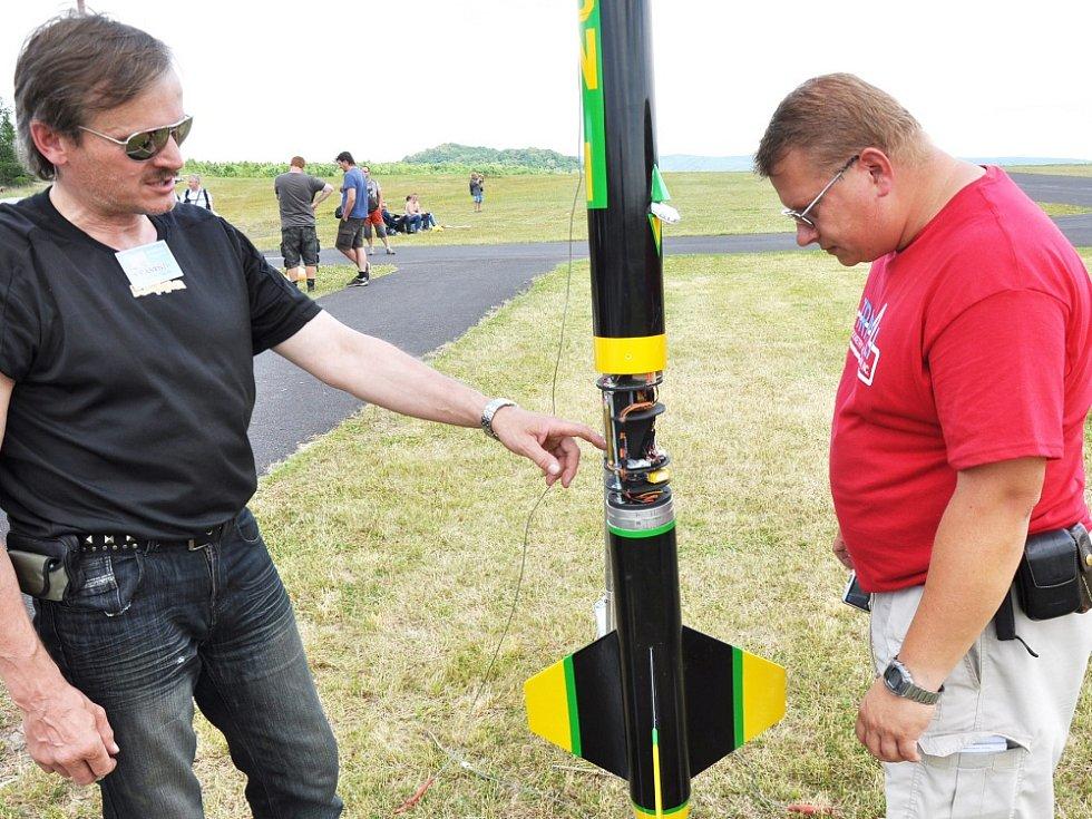 Festival velkých modelů raket se konal v sobotu v Suché