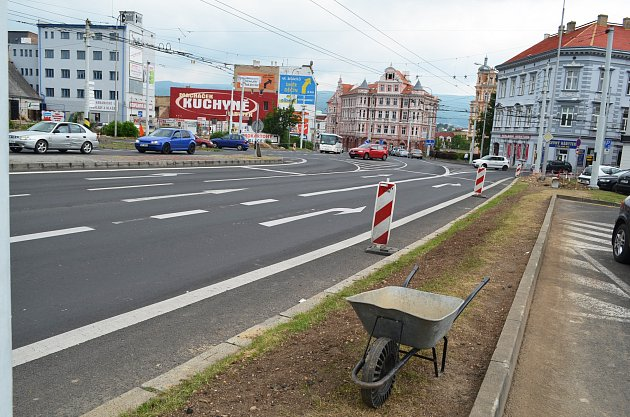 Křižovatka u Slávie v Teplicích, momentálně bez semaforů