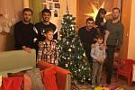 Ve vánočním čase si udělali čas tepličtí fotbalisté a zajeli se podívat za dětmi do teplického Klokánku, který funguje pod Fondem ohrožených dětí ČR.