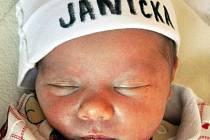 JANA JELÍNKOVÁ se narodila Jiřině Etker z Dubí 15. listopadu v 8.18 hod. v teplické porodnici. Měřila 48 cm a vážila 2,65 kg.