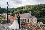 V areálu zříceniny gotického hradu nad městem Krupka na Teplicku si v sobotu 25. července řekli své životní ANO Markéta Flochová a Prokop Voleník. Ten letos získal titul Nejlepší tiskový mluvčí roku.