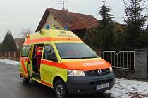 Záchranáři převezli šestiletého chlapce za doprovodu matky k vyšetření na dětské oddělení do Teplické nemocnice.