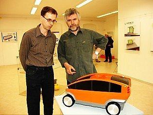 V dubském ateliéru Design keramiky probíhá výstav Krásné stroje