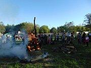 Pálení čarodějnic ve Stáji U Kaštánka v Proboštově na Teplicku.