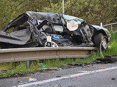 Tragická nehoda u kruhového objezdu v Bystřanech