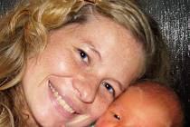 Mamince Janě Dufkové z Dubí se 3. listopadu ve 14.15 hodin v ústecké porodnici narodil syn Vojtěch Dufek. Měřil 53 cm a vážil 4,05 kg.