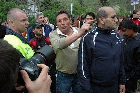 Akce Dělnické strany v Krupce, střety s místními občany, mítink a další aktivity.