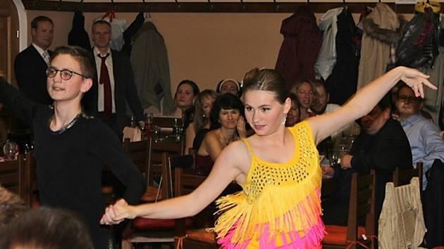 Ve Vysokém domě v Dubí - Bystřici proběhl tradiční ples Arkadie.