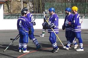 Hokejbalisté Perly Řetenice.