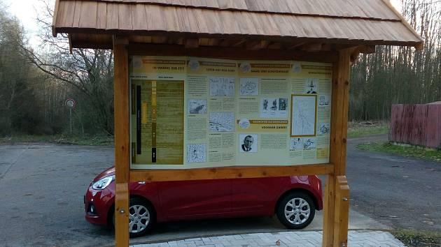 Informační tabule v Drahůnkách
