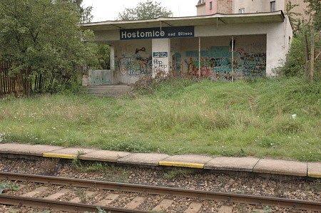 Železniční zastávka v Hostomicích