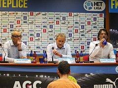 Tisková konference FK Teplice. Zleva: Hynek, Šedlbauer, Šmejkal.