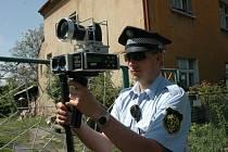 Dubští strážníci měří rychlost
